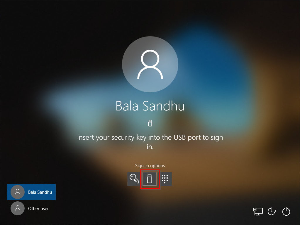 Security key sign-in at the Windows 10 lock screen