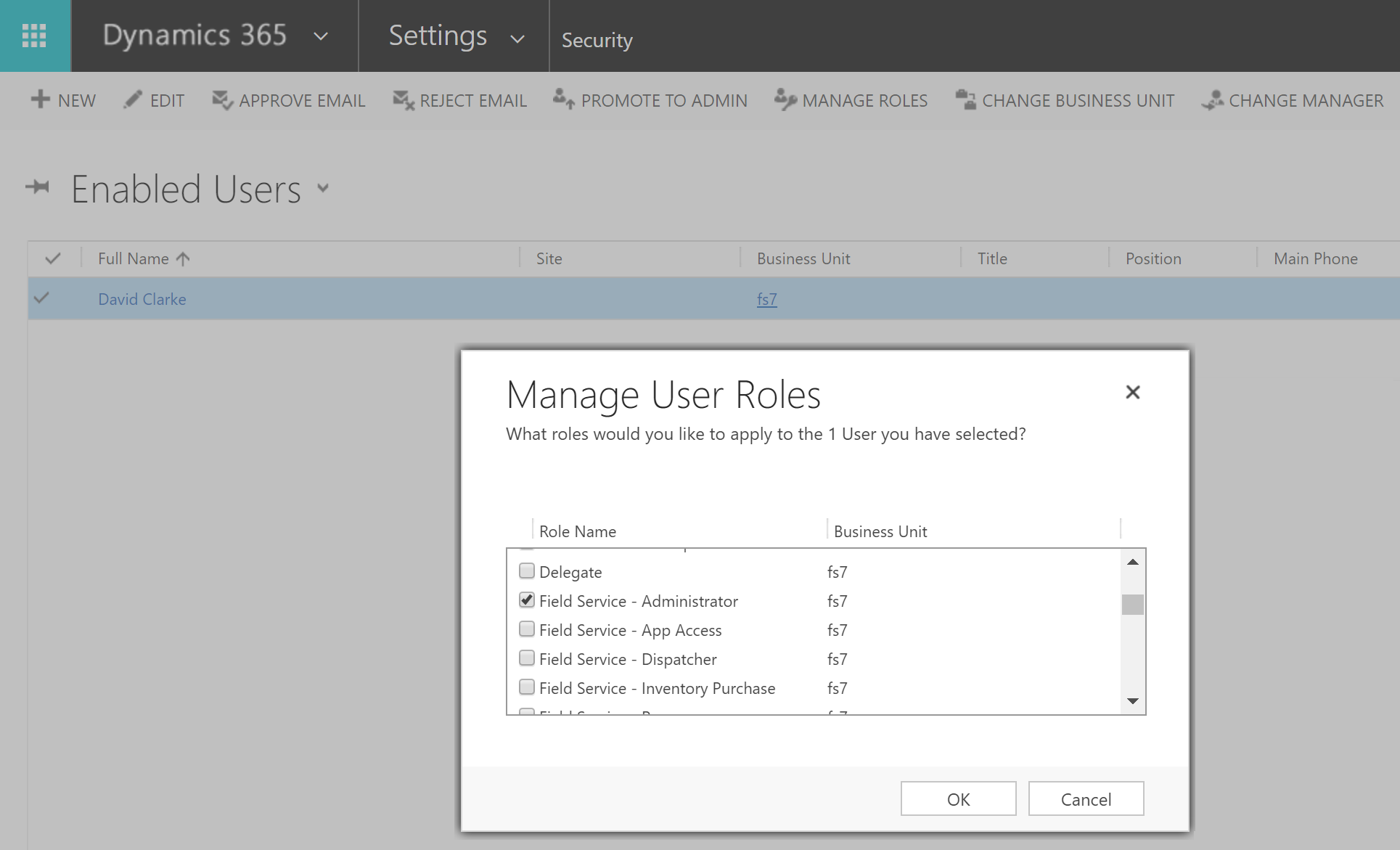 Set up field service users and security roles | Microsoft Docs